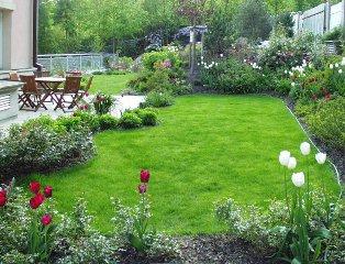 zahrada u rodinné vily v Černošicích